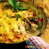 Овощное рагу под корочкой из сыра